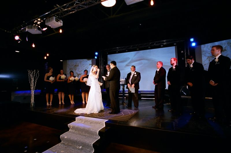 """Let there be light!"" – Ceremony Lighting Tips"
