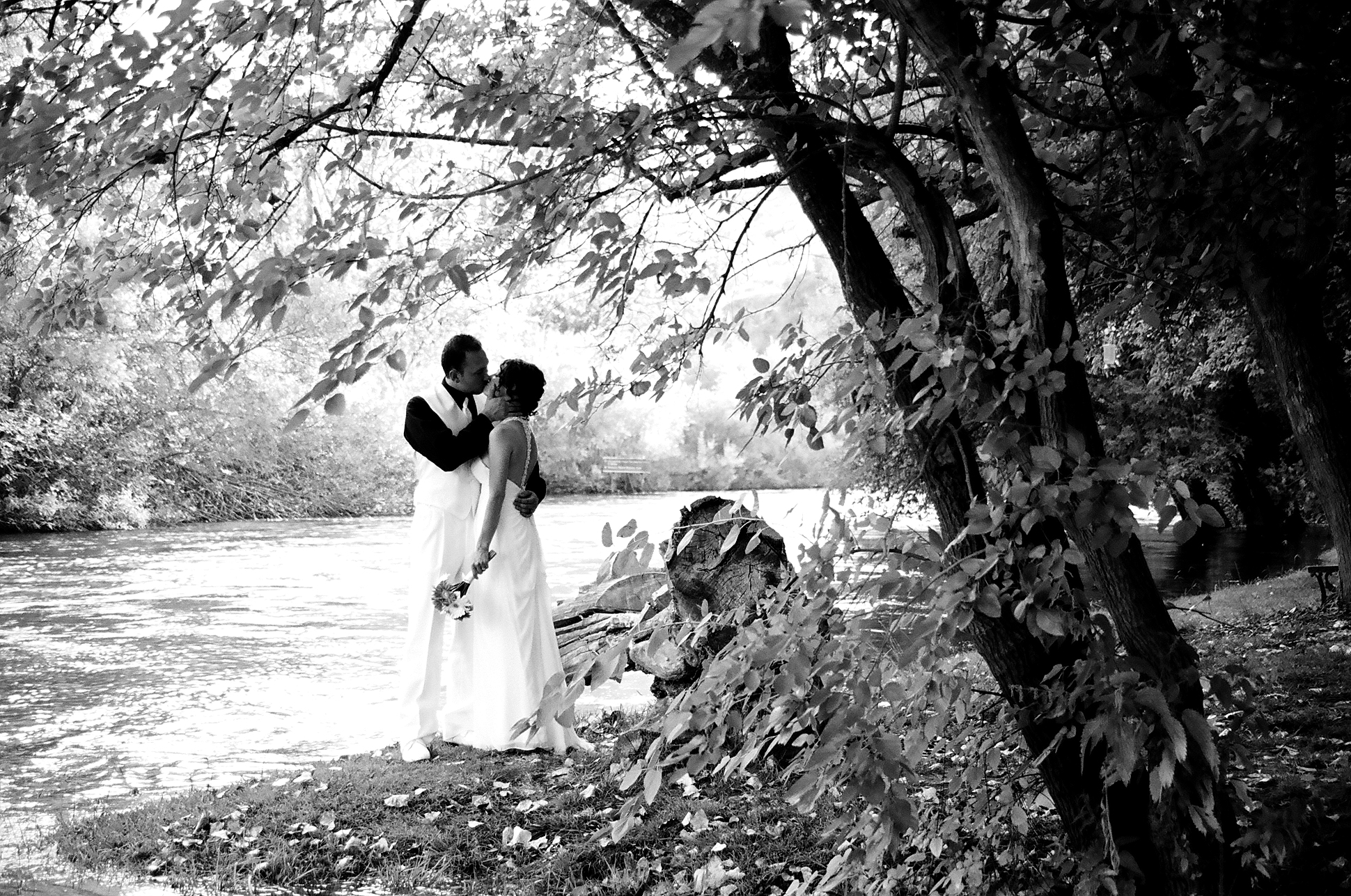 Rivers Edge at Knights Ferry Wedding ~ Shaina & Jonny