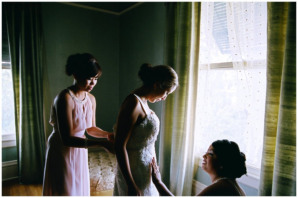5 Tips to Ensure You Have Amazing Bridal Prep Photos on Your Wedding Day